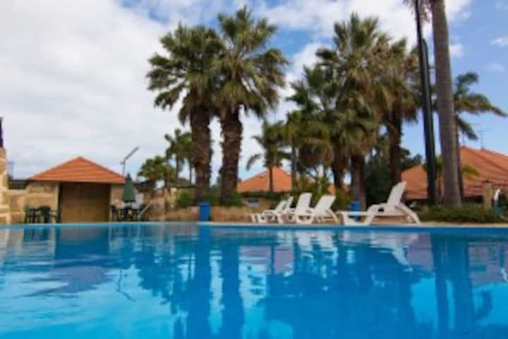 Family Resort Budget Unit