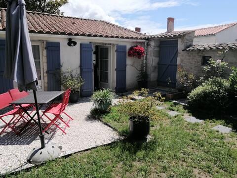 Charmante maison Charentaise proche de La Rochelle