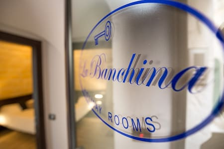 LA BANCHINA HOLIDAY ROOMS PIETRA - Trani