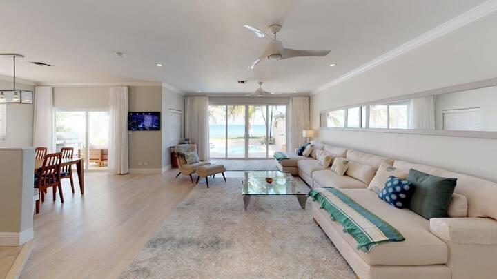 3 Bedroom Plus Den Beach Front Home in West Bay - Sleeps 10!