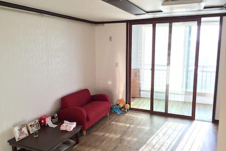 808:오송&세종시 출장오시는분,나홀로여행및 커플여행에 알맞는 원룸형 아파트 - Sancheok-myeon, Chungju-si - Apartament