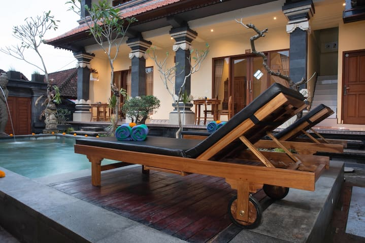 Ubud Garden and Pool Vibration
