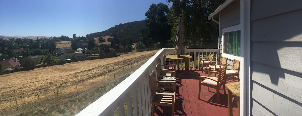 Amazing home stunning mountain view - San Jose