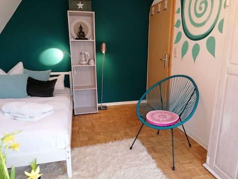 Zimmer mit Balkon, Sauna und Klangmassage möglich