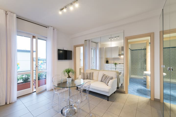 2° New Apartment & private Parking - Firenze - Huoneisto
