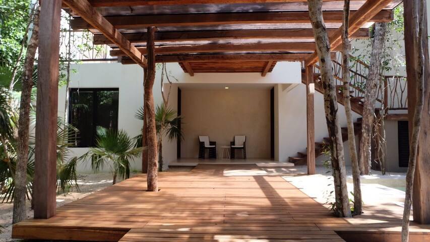 """BEAUTIFUL HOUSE """" CASA LUNA """" TULUM ALDEA ZAMA."""