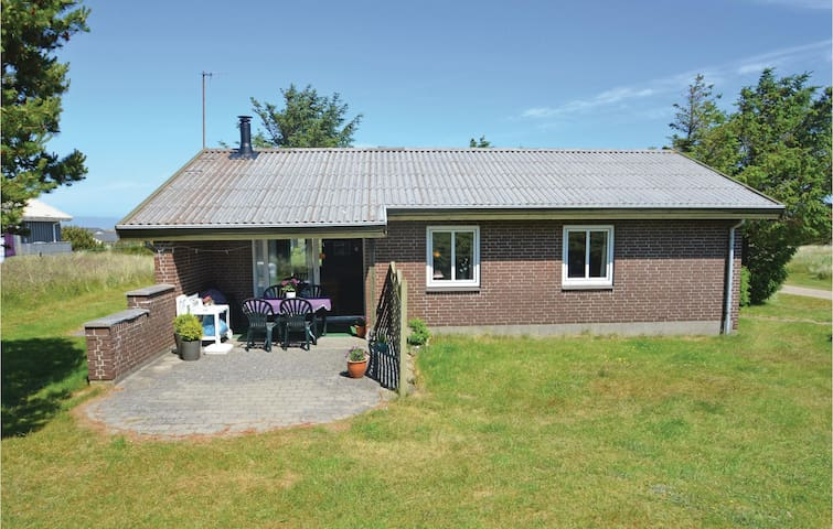 Holiday cottage with 3 bedrooms on 72m² in Thisted