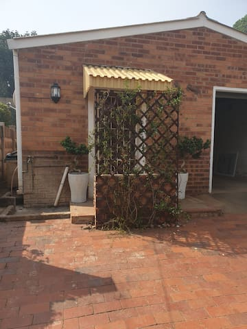 Garden Flatlet - Safe - Home away from Home!