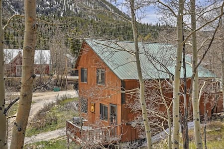 'The Snowshoe Inn' - 1BR + Loft Salida Cabin - Cottage