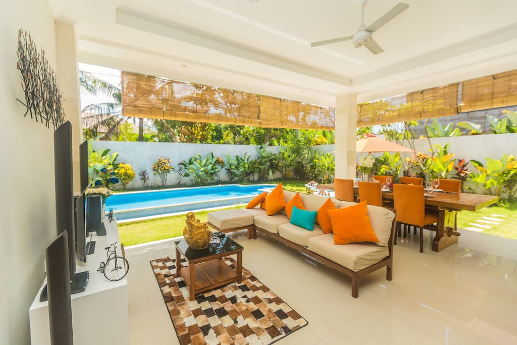 Absolutely NEW 3bd villa with two living rooms, garden and big swimming pool. Spacious living room om the ground floor with big flat TV, home theater and comfortable lounge zona