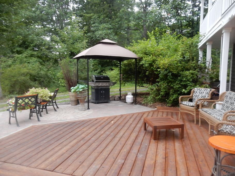 Ameublement jardin, terrasse,BBQ. partagé (shared)