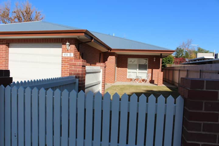 Brand new central Deniliquin Townhouse
