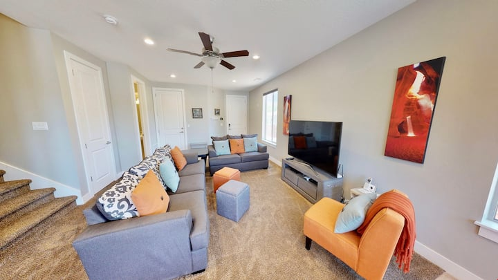 Entrada at Moab ~ 672, Brand New Luxury End Unit Located In Downtown Moab, Sleeps 14 - Entrada at Moab #672