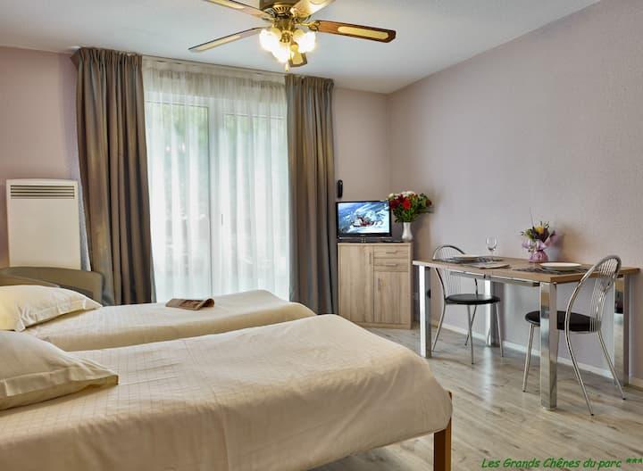 Dans cité des loisirs, Studio 2 lits séparés 24 m2