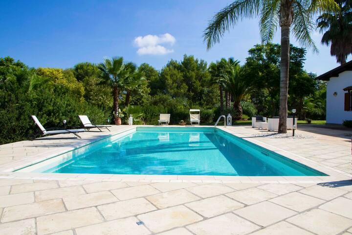 Villa con piscina a Casarano,nel cuore del Salento - Casarano - Willa