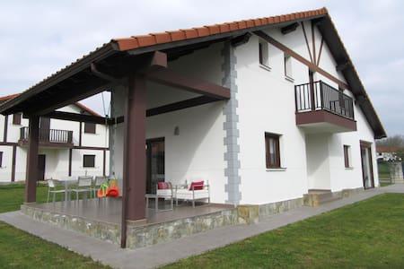 Casa individual Noja / Arnuero