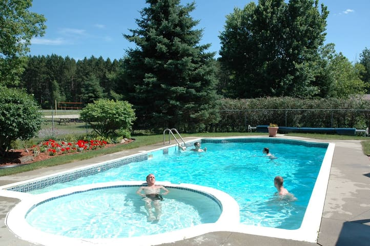 Bourget Inn & Spa Resort - Ottawa - Bourget - Bed & Breakfast