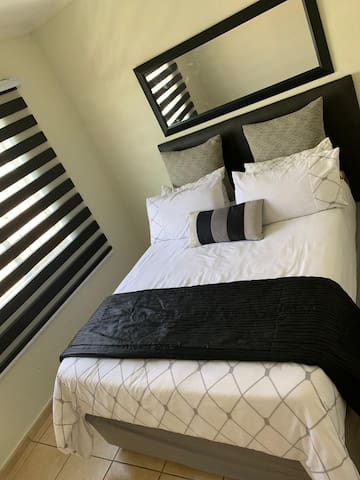 705 Nombela Drive Clean Rooms