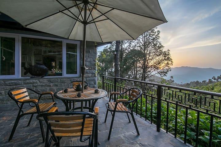 Premium Suite Bedroom in Chail w/BKFST+Fresh Meals