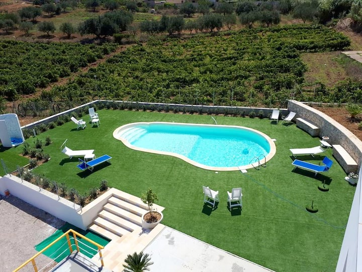 Villa with 4 bedrooms in Alcamo, with wonderful sea view, shared pool, furnished garden - 4 km from the beach