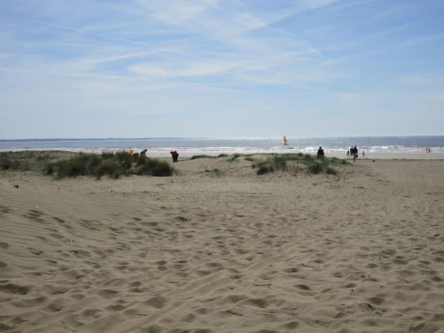 Au coeur du centre ville à 200m plage ! - Saint-Brevin-les-Pins - Hus