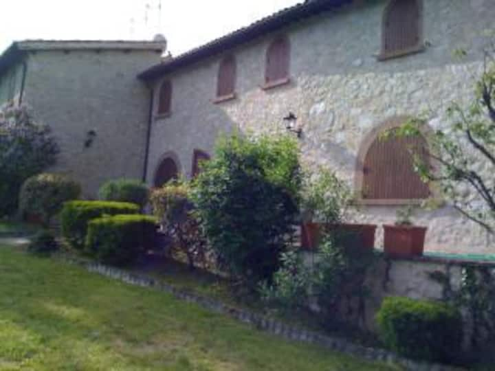 UMBRIA COUNTRY HOUSE(CASTEL of 1200)  2/12 PAX