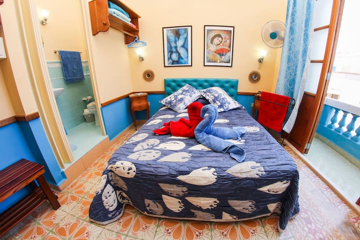 The room enjoys a beautiful balcony, ensuite bathroom, minibar, air con, hot water 24 hours, hair dryer, safety deposit box, lock on the door and free WiFi.