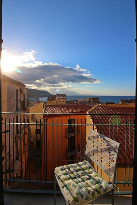 Balcone con vista sul mare