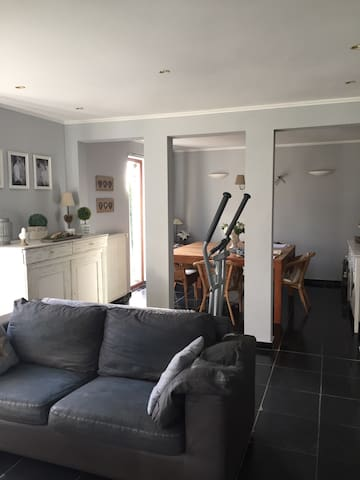 villa au calme à 35min de Bruxelles - Fontaine-l'Évêque - Casa