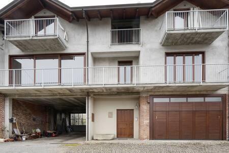 Apartamento aislado en Romagnano Sesia con balcón