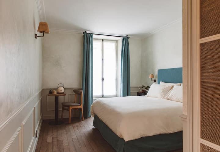 HOY Paris - YOGA Hotel — Love Room @ Pigalle