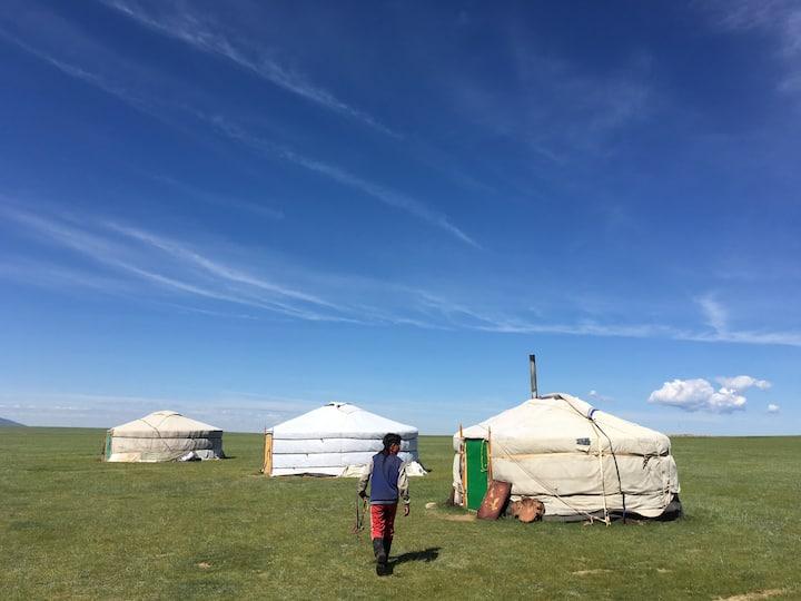 遊牧民宅ホームスティ 2泊以上宿泊で乗馬1時間無料