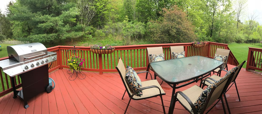 Enjoy soft morning sun and cool evening shade on patio.  Fire up the stainless steel grill for a BBQ and relax in comfortable outdoor seating for six.  Umbrella available.