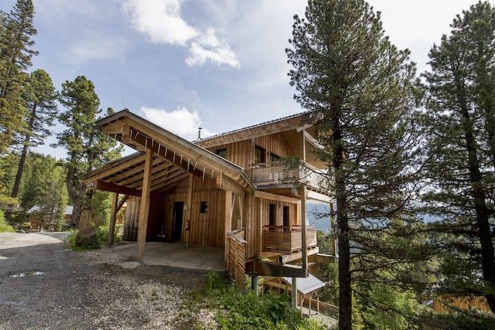 Quiet Chalet in Turracherhöhe with Sauna and Jacuzzi