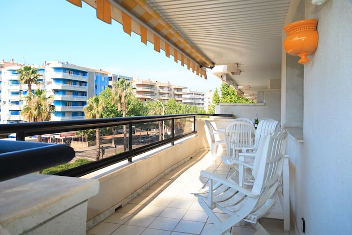COMFORTABLE APARTMENT WITH COMMUNAL POOL IN CENTER SALOU S205-219 UHC CANCUN APARTMENTS