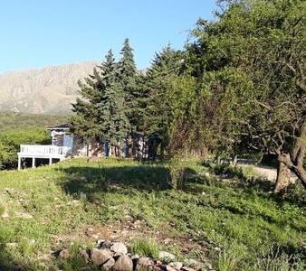 Cabaña en la Montaña 2 dormitorios Piscina ,arroyo