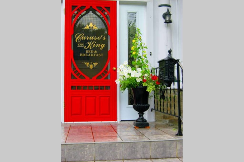 Welcome to Carusos On King Bed and Breakfast & Serenity Spa
