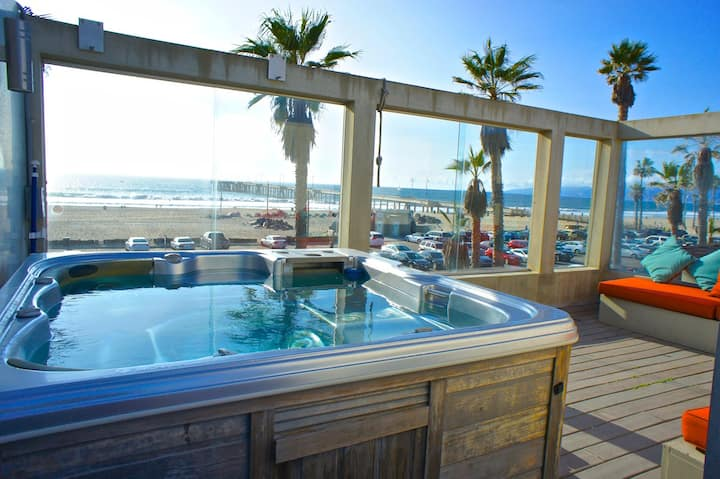 Beach-Front w/ NEW Hot Tub Overlooking Venice Pier