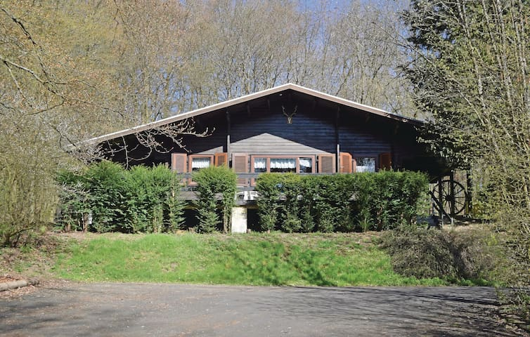 Holiday cottage with 2 bedrooms on 80 m² in Gunderath