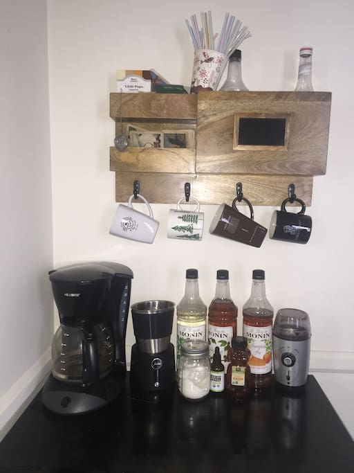 Fully filled coffee and tea bar. An extensive collection of both.