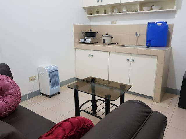 Lovely Apartment w/ 35Mbps WiFi-15 min walk to BGC