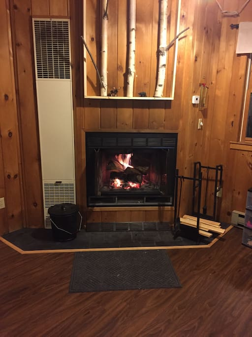 Fireplace to keep you warm after a long day skiing. Please bring your own wood.