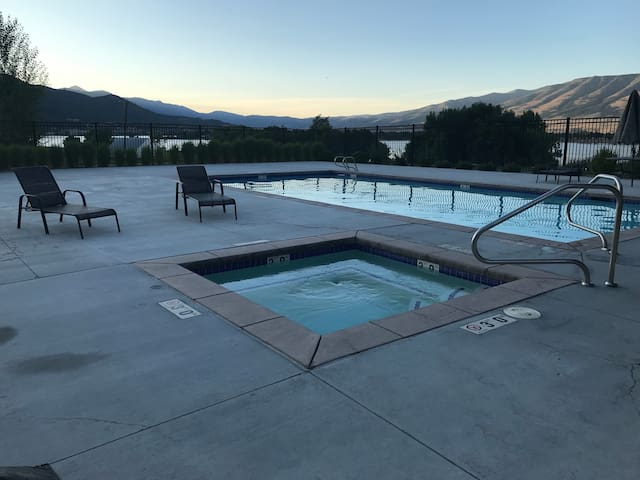 Affordable Pineview Reservoir 2 Bedroom Suite