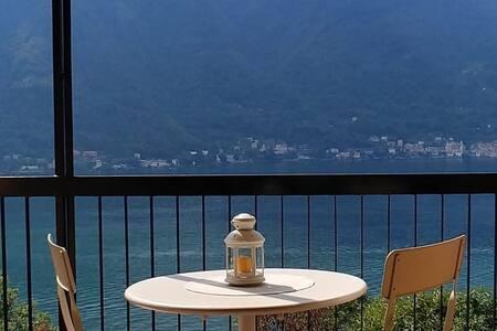 Lago di Como - Nesso - appartamento vista lago
