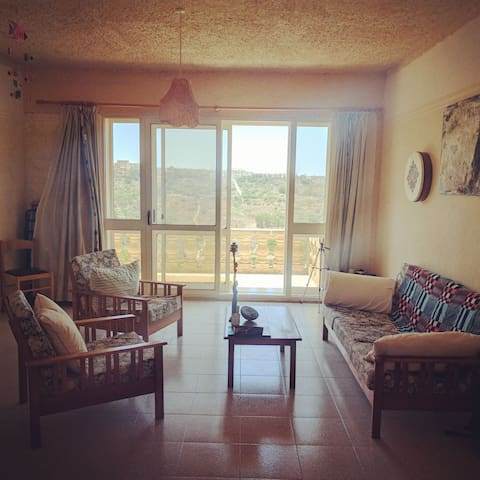 Relaxing Penthouse Balcony View Gozo