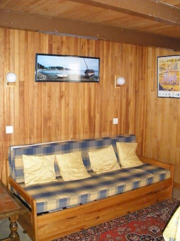 coin salon avec canapé
