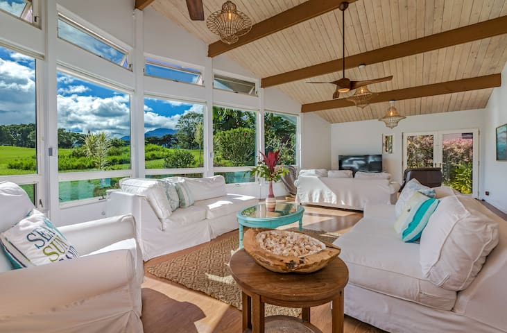 4 Bedroom Spacious, Immaculate Princeville Home
