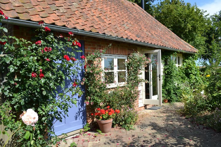 Brookes Cottage, Butley