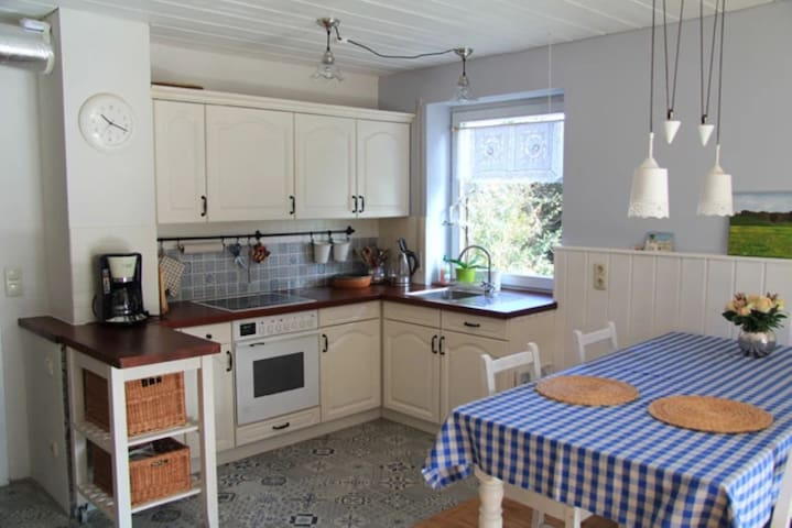 Cozy Apartment Chiemgau Idyll with Mountain View, Wi-Fi, Garden & Terrace; Parking Available