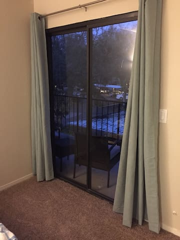 1BR Condo with newly upgraded Kitchen and Bathroom - Vacaville - Byt